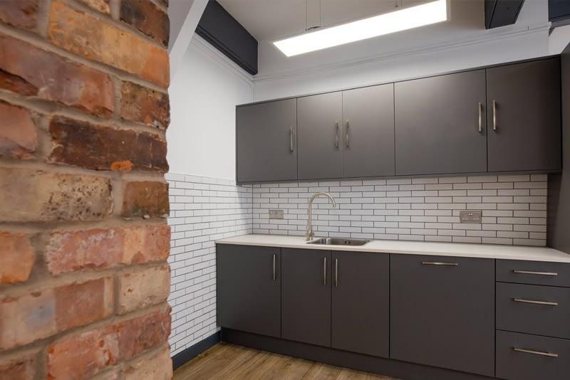 studio-private kitchen
